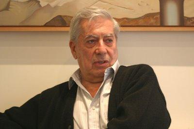 Escritor vivo más importante del Perú.